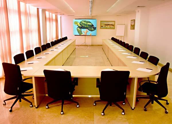 Монтаж кондиционеров в конференц-залах.